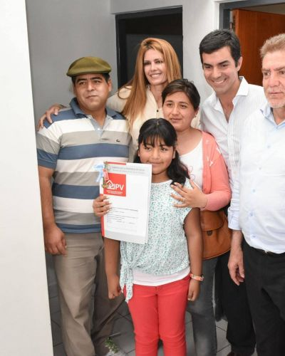 Entrega de 60 nuevas viviendas en Rosario de Lerma