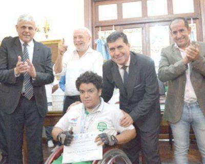 El gobernador Casas recibió a los medallistas de los Evita 2016