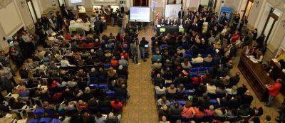 El intendente encabezó una nueva entrega de escrituras: más de 1200 familias en el año accedieron a la titularidad de su inmueble