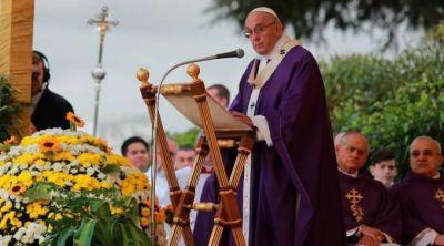 Papa Francisco: El Día de los Difuntos nos invita a ir de la tristeza a la esperanza