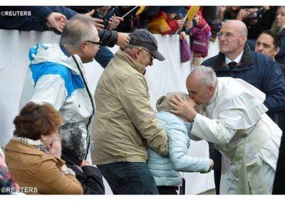 Fieles en Suecia: ¡Gracias Papa Francisco por confirmarnos en la fe. Eres nuestro Pastor!