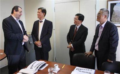 El embajador de Taiwán recorre municipios del interior para invertir en energías renovables y gestión de residuos