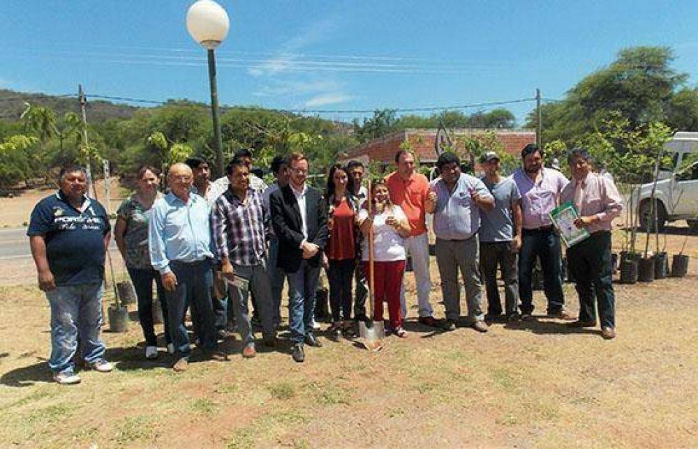 Ambiente ayudará a los municipios en la creación de sus propios viveros