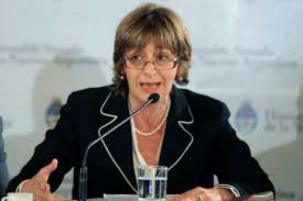 El Gobierno planea reflotar el acuerdo para limitar a Gils Carbó