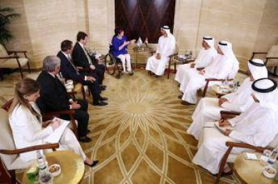 Gabriela Michetti llega a Emiratos Árabes en busca de inversiones