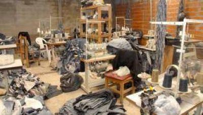 Gendarmería rescató doce víctimas en un taller textil porteño