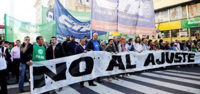 Las dos CTA y movimientos sociales marchan a Plaza de Mayo contra el ajuste
