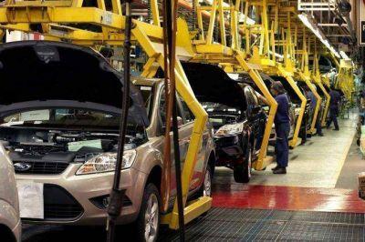 La producción de autos cayó un 16,4% en octubre