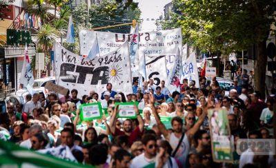 """Jornada de lucha de las CTA con críticas a la CGT: """"Hay descontento en sus bases"""""""