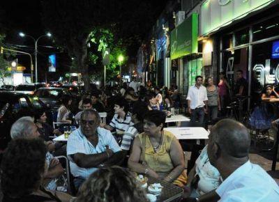 El Gobierno propuso reubicar los boliches de la capital en el Parque IV Centenario