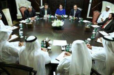 Fondos de Emiratos Árabes quieren invertir en rutas y energía en Argentina