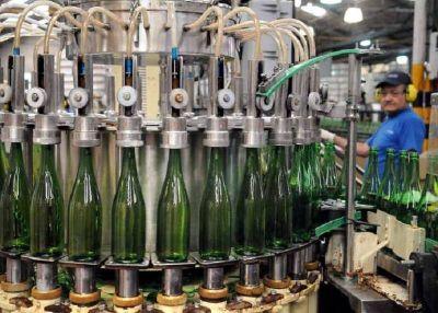 Mendoza y San Juan avanzan para gravar al vino importado