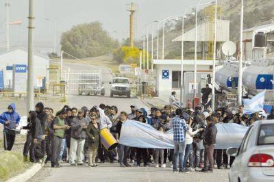 Trabajadores de Guilford bloquean el acceso a la playa de tanques de KM 3