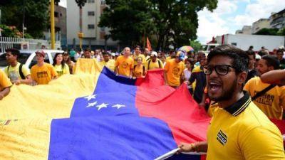 Los estudiantes marchan en Venezuela contra Nicolás Maduro