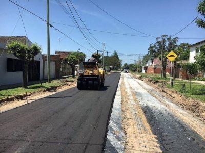 Comenzaron las obras de asfalto en el barrio Belisario Roldán