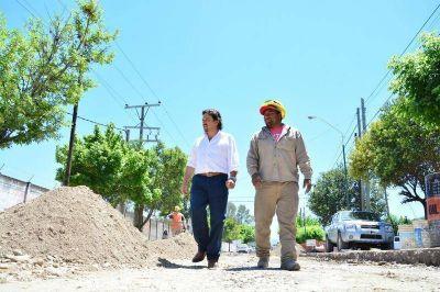 El intendente Sáenz supervisó los trabajos que se realizaron en un tramo del canal Oeste