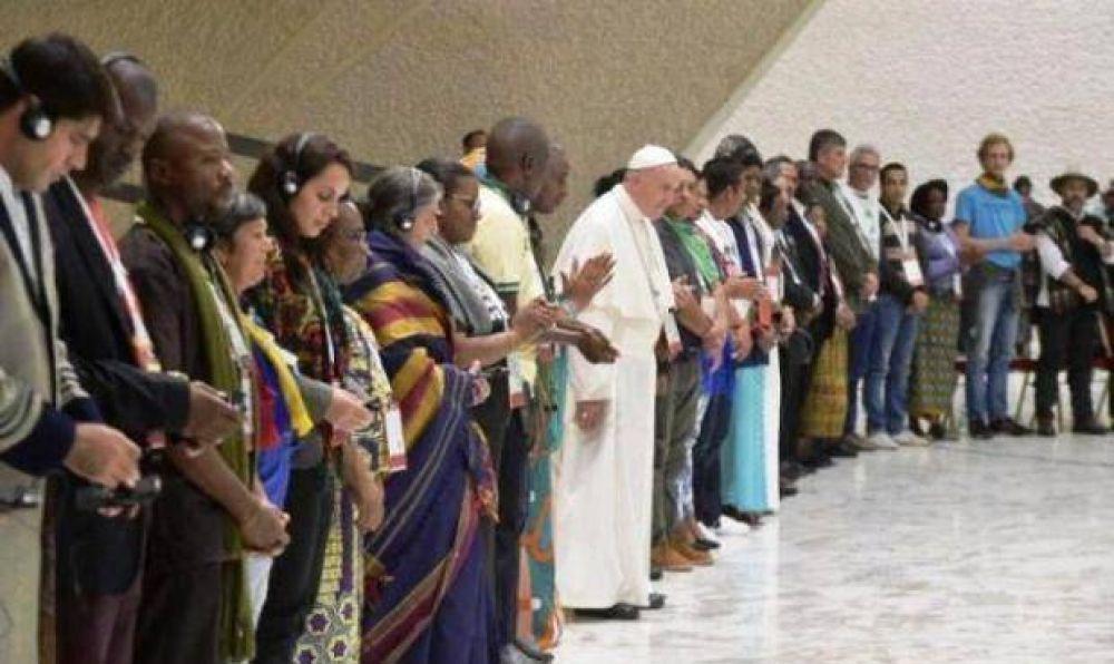 El Papa insta a movimientos populares a rebelarse contra un sistema económico injusto