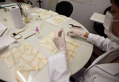 Hallaron documentos secretos sobre el ataque a la AMIA escondidos en la AFI