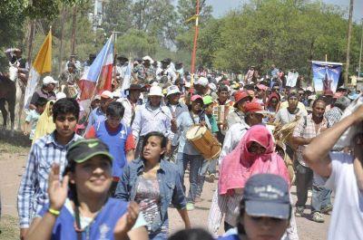 Miles de fieles peregrinaron hacia la capilla de Mama Antula