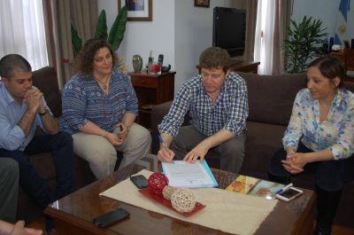 Promoverán el uso de fuentes renovables de energía en la tarea diaria del Municipio de Río Grande