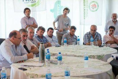 """Negri y reunión con los intendentes municipales: """"la agricultura es una parte importante de la resolución del cambio climático"""""""