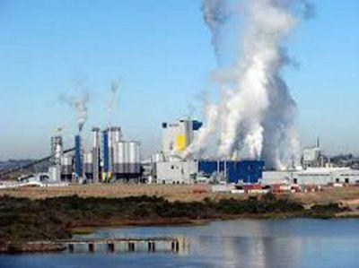 Un fiscal uruguayo denunció que Botnia vuelca efluentes tóxicos