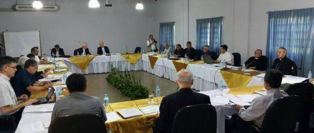 Obispos analizan diversos temas durante el primer día de la 213ª Asamblea