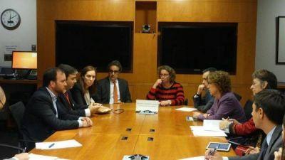 Vidal busca en EE.UU. créditos por US$ 380 millones para la cuenca del río Salado