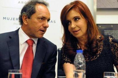"""Guerra de encuestas: Analogías dice que Cristina rompe el """"techo"""" de 30 puntos y ganaría en 2017"""