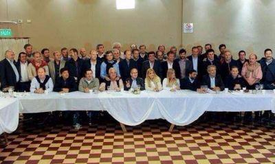 """Presupuesto BA: Con la promesa de Lacunza, debutan los intendentes de """"la mesa de Lobos"""""""