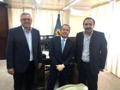 Oxandaberro y Sánchez, estuvieron reunidos con el Ministro Gustavo Ferrari