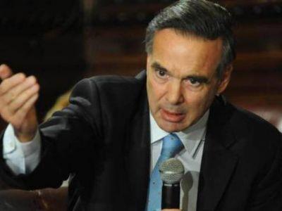 Pichetto garantiza la continuidad de viviendas en Río Negro