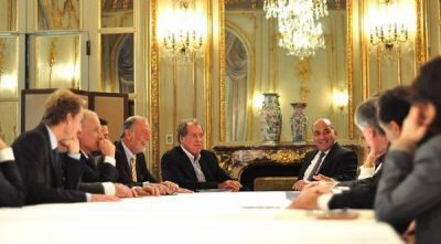 El gobernador Manzur junto con empresarios, fueron recibidos por el titular del Banco Macro