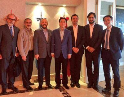 Insfrán dialogó con embajador chino sobre obras estratégicas para Formosa