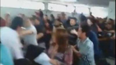 """Piñas y sillazos en el Concejo de Varela cuando querían declarar """"ciudadana ilustre"""" a Cristina"""