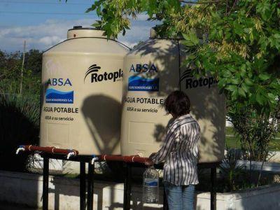 En Gonnet, ahora los vecinos tienen que ir a cargar agua