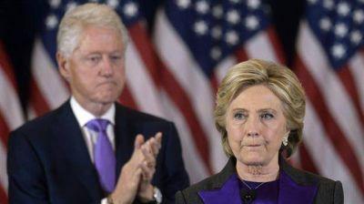 Dolida, Hillary tardó en asumir la derrota y prometió seguir luchando