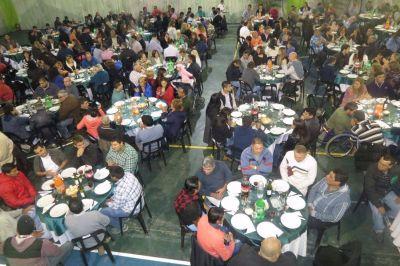 Anuncian una bonificación a municipales de $3500 para el primer trimestre del 2017