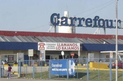 Denuncian despidos y persecución sindical a camioneros de Carrefour