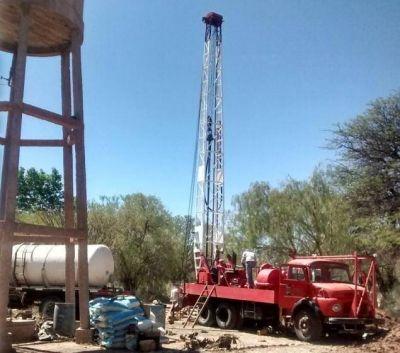 Avanza la obra de construcción del nuevo pozo de agua en San Carlos