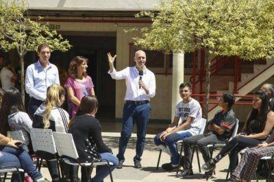 Anuncian más días de clases para alumnos de 1° año del secundario