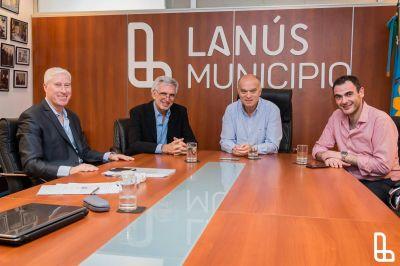 Grindetti recibió a autoridades del CEAMSE y ACUMAR en Lanús