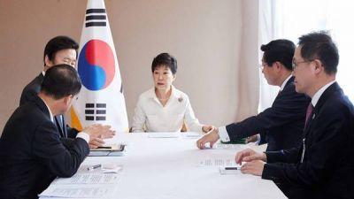 Trump tranquiliza a Corea del Sur y asegura que mantendrá su alianza estratégica