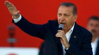 Recep Tayyip Erdogan no detiene su persecución a la prensa en Turquía: detuvo al editor de un diario independiente