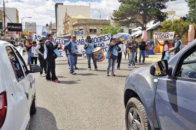Trabajadores estatales se manifestaron por calles céntricas