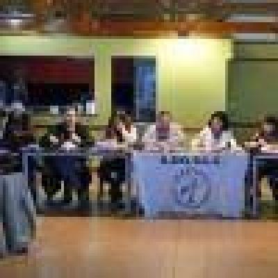Adosac: Paro docente hasta el pago total de sueldos de octubre, más retroactivo mes de mayo y movilización