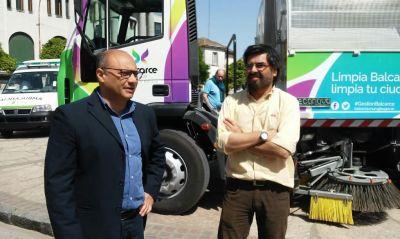 Reino presentó equipamiento para mejorar la limpieza urbana y las emergencias