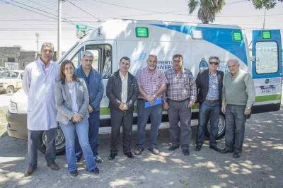 El Hospital Pintos recibió una nueva ambulancia