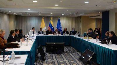 Maduro descarta adelantar las elecciones y la oposición se endurece