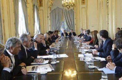 Reforma política: Macri convocó a Peppo y gobernadores del PJ a Olivos